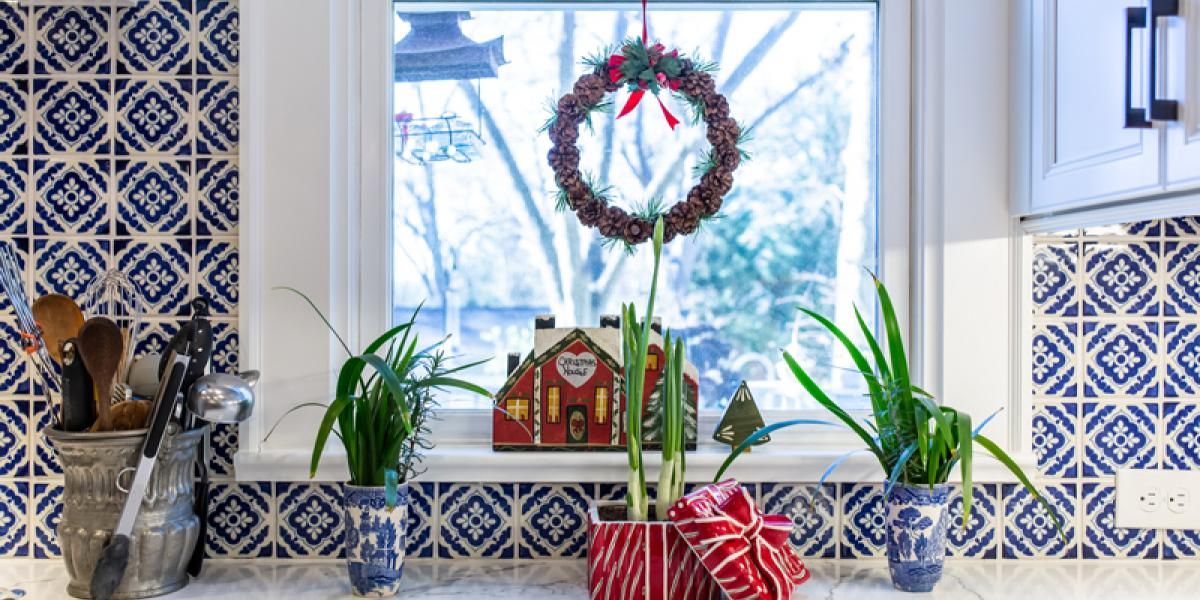 decorating kitchen for the holidays