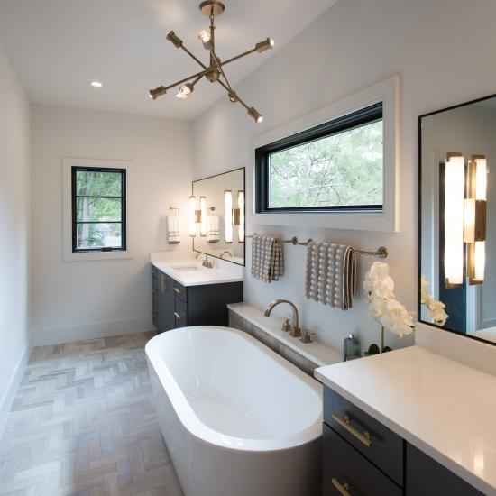 Luxe Lavatory Preview